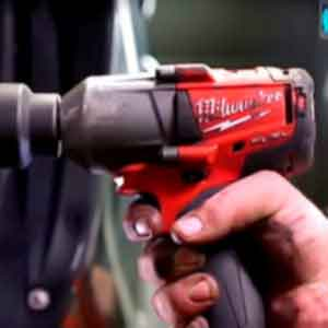 How to Use a Cordless Impact Driver